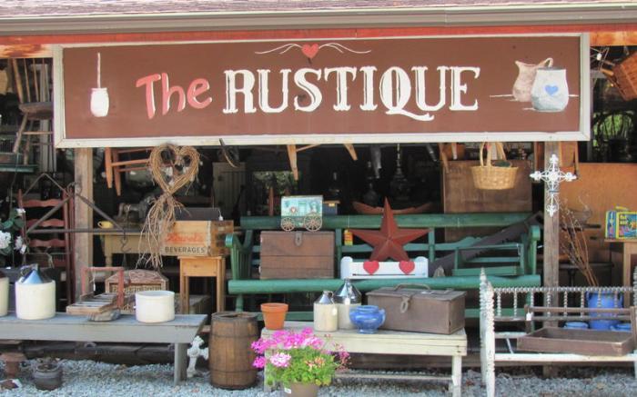 Rustique Antique Shop