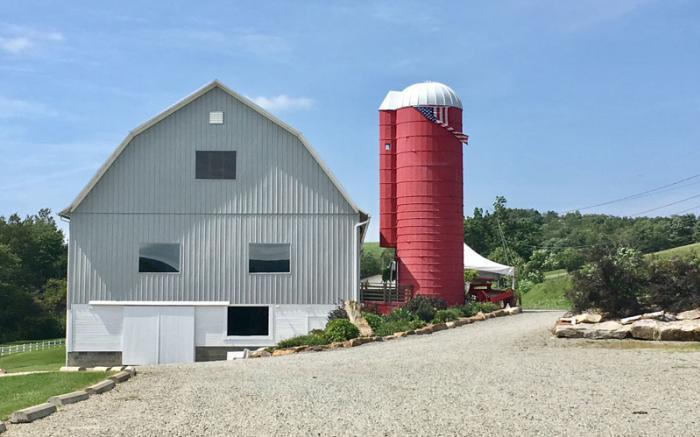 The Red Silon & Barn