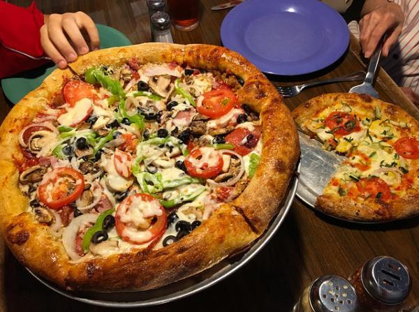 Mellow Mushroom pizza.