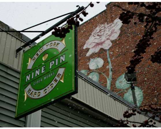 Nine Pin Sign