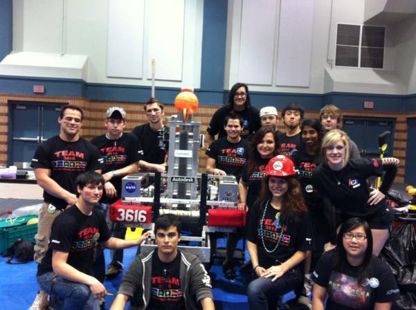 Comeaux High School's robotics club, Team 3616: Phenomena