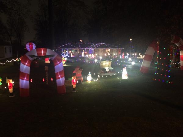 Ludwig Road Christmas Lights Display - Fort Wayne, IN
