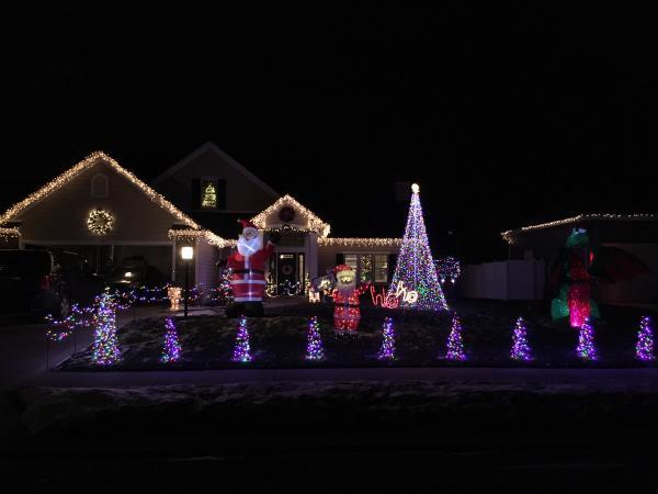 7317 Holden Drive - Best Christmas Light Displays - EAST - Fort Wayne