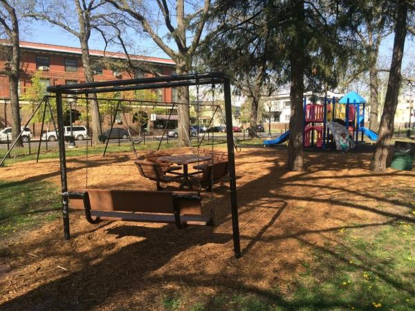 Holliday Park 2
