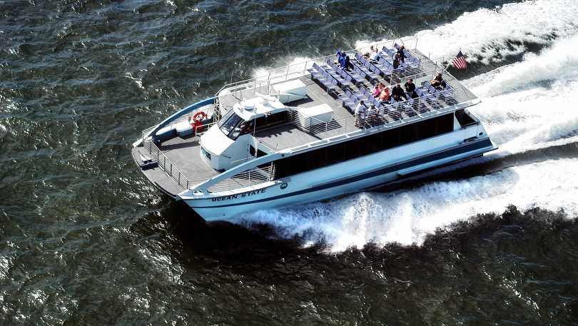 Newport Providence Ferry.jpg