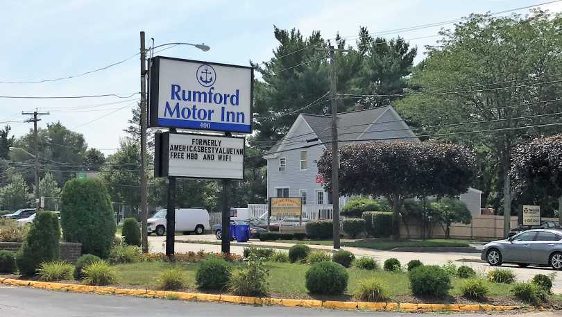 Rumford Motor Inn
