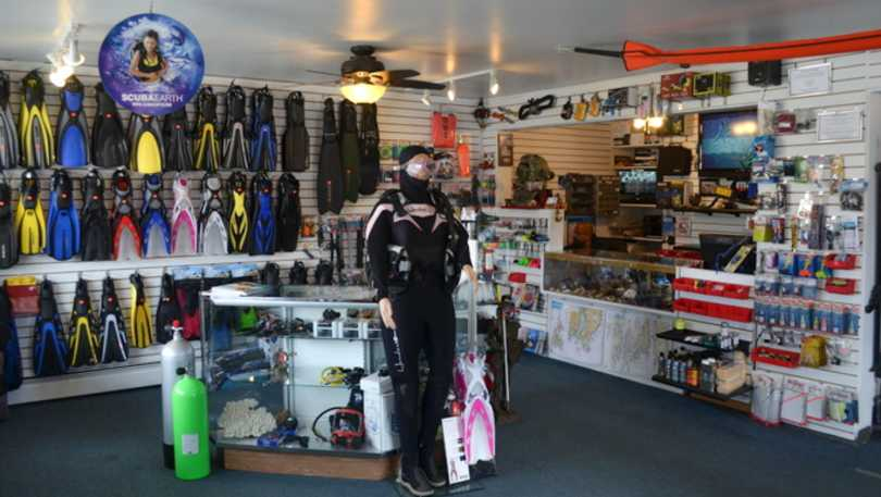 dive shop-newport.jpg
