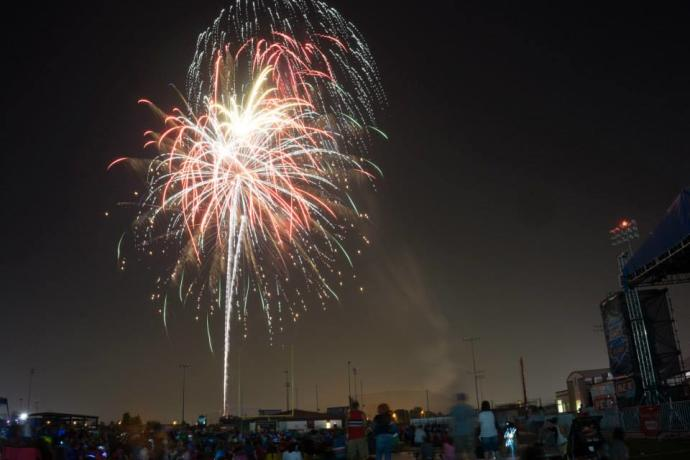 July 4th Fireworks for Pearland celebration