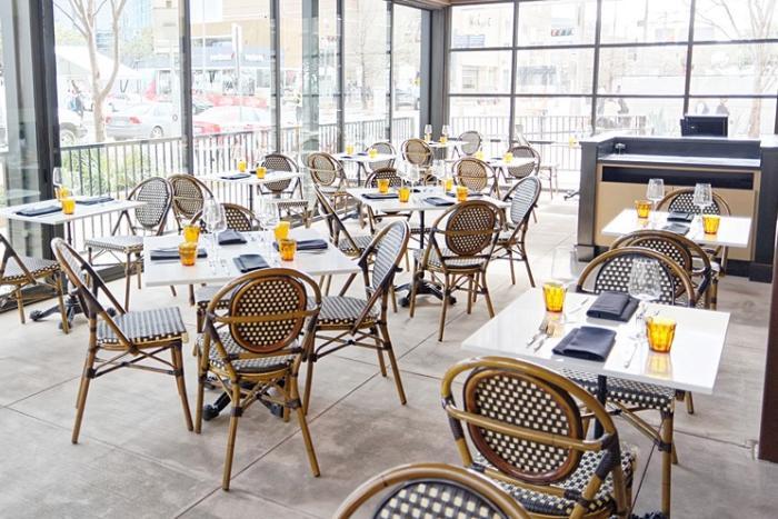 Brasserie Du Park patio dining