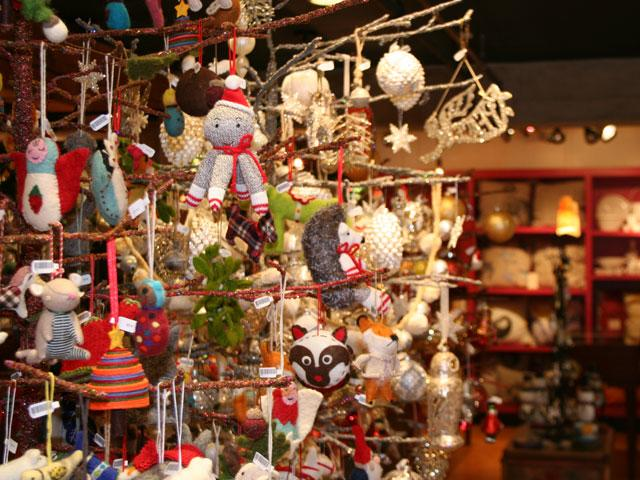 Holiday Shopping by Taj Morgan