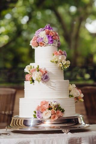 Wedding Cake Outside