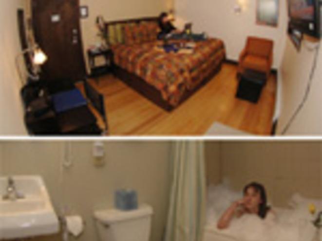 Mount Jumbo King or Two Twins Room