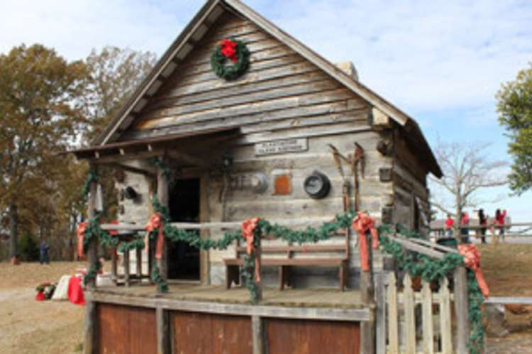 Fest_tn_Christmas_in_the_County_2014_22-300x200.jpg