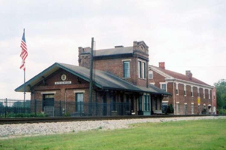 Stevenson_depot_m-3681.jpg