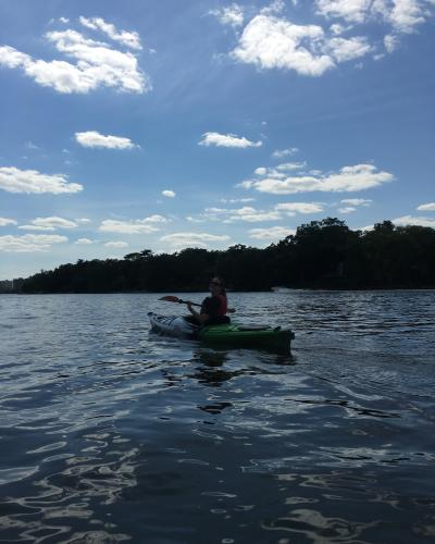 Kayak_On_River