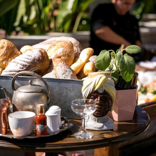 Loaves of bread at Habana