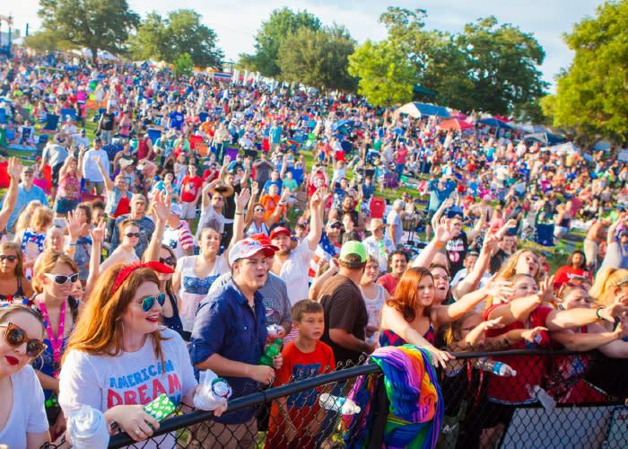 Baytown - July 4th Crowd