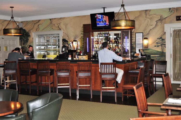 Gideon Putnam Bar