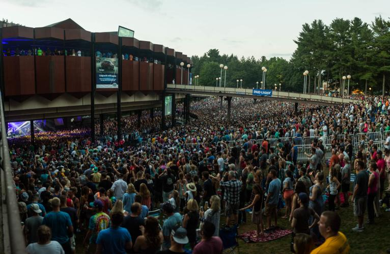 Crowd at Saratoga Performing Arts Center (SPAC) for Dave Matthews Band