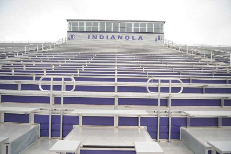 INDIANOLA COMMUNITY SCHOOL DISTRICT - Football Bleachers - 8