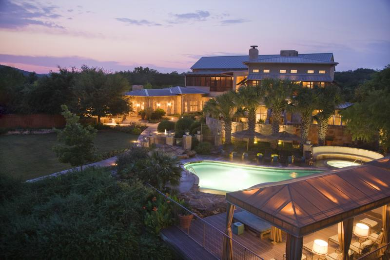 Evening over the LakeHouse Spa and pool