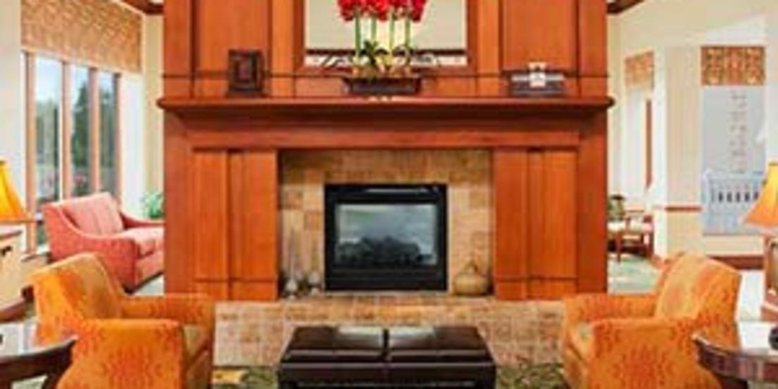 Hilton Garden Inn   West Omaha Lobby