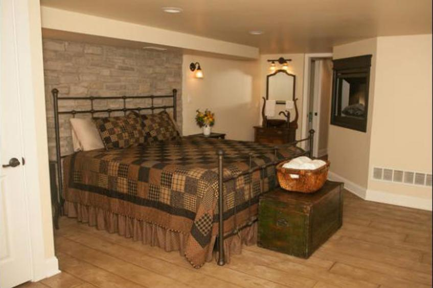 Main Street Guest House Master