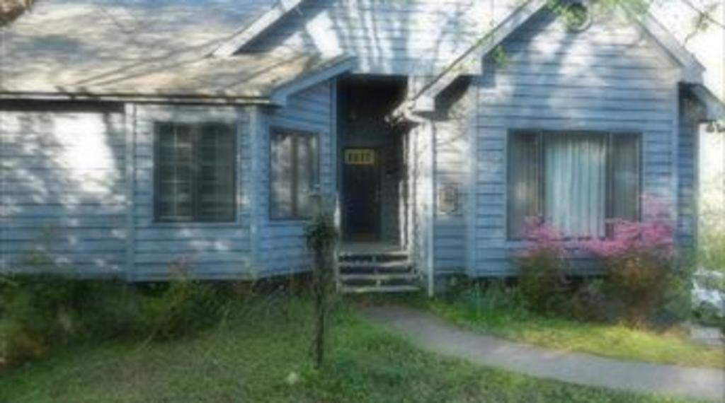 370Noll_House.jpg