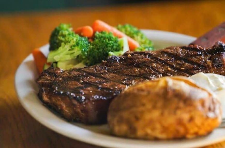 Murphy's Grand Irish Pub Steak Dinner
