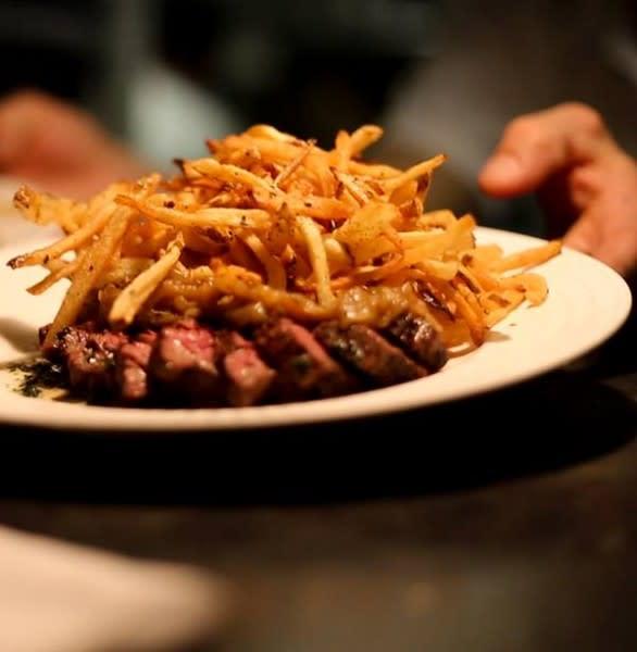 Petit Pois Steak Frites
