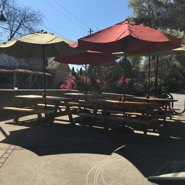 Pulaski Heights BBQ Patio