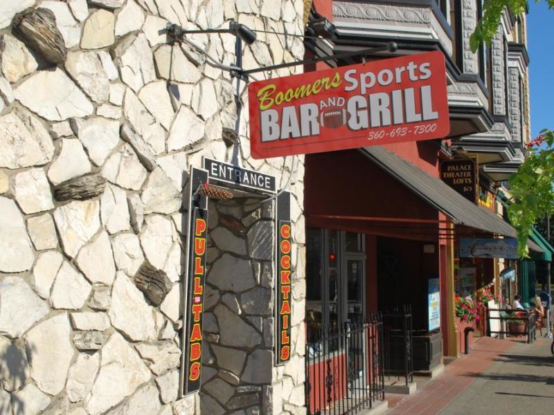 Boomer's Sports Bar & Grill