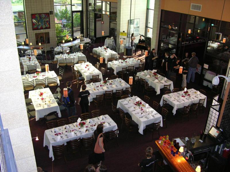 Vinoptia Restaurant