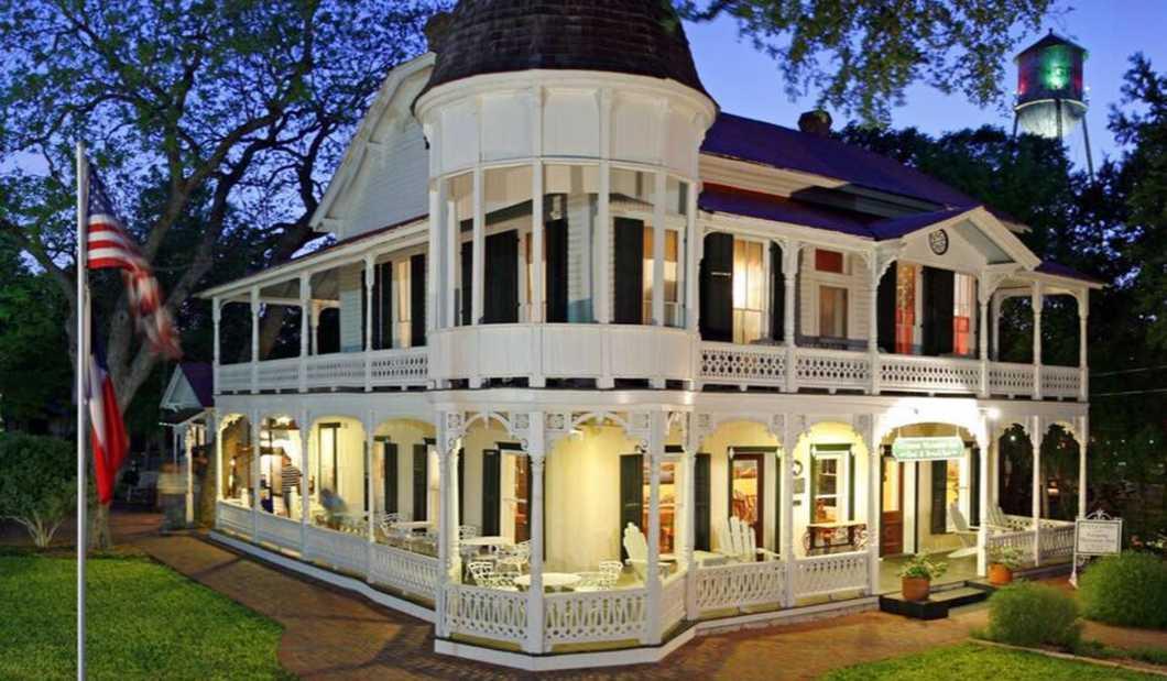 Gruene Mansion Inn.jpg
