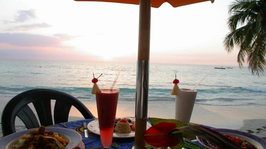 Country_country-sunset-cocktails_gallery