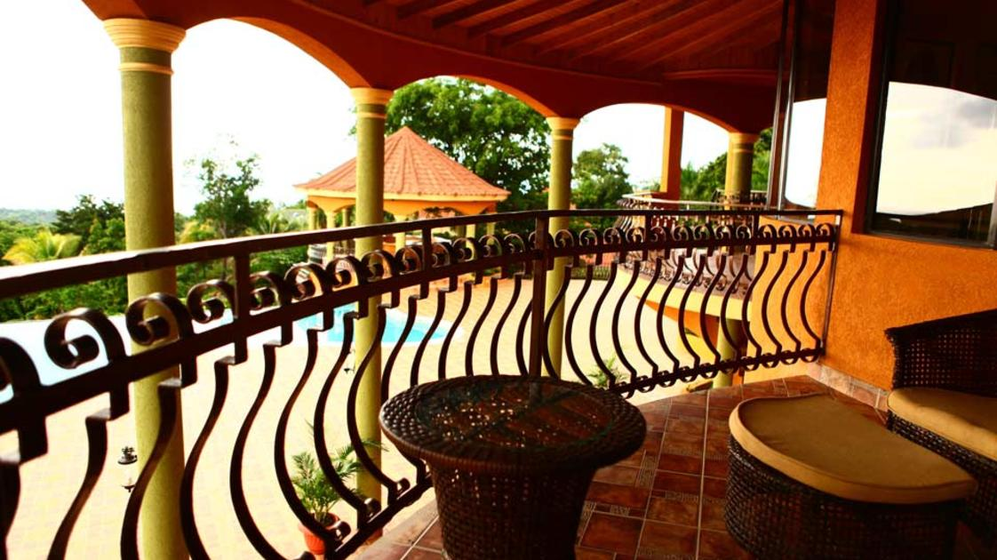 Milbrook-Resort---balcony