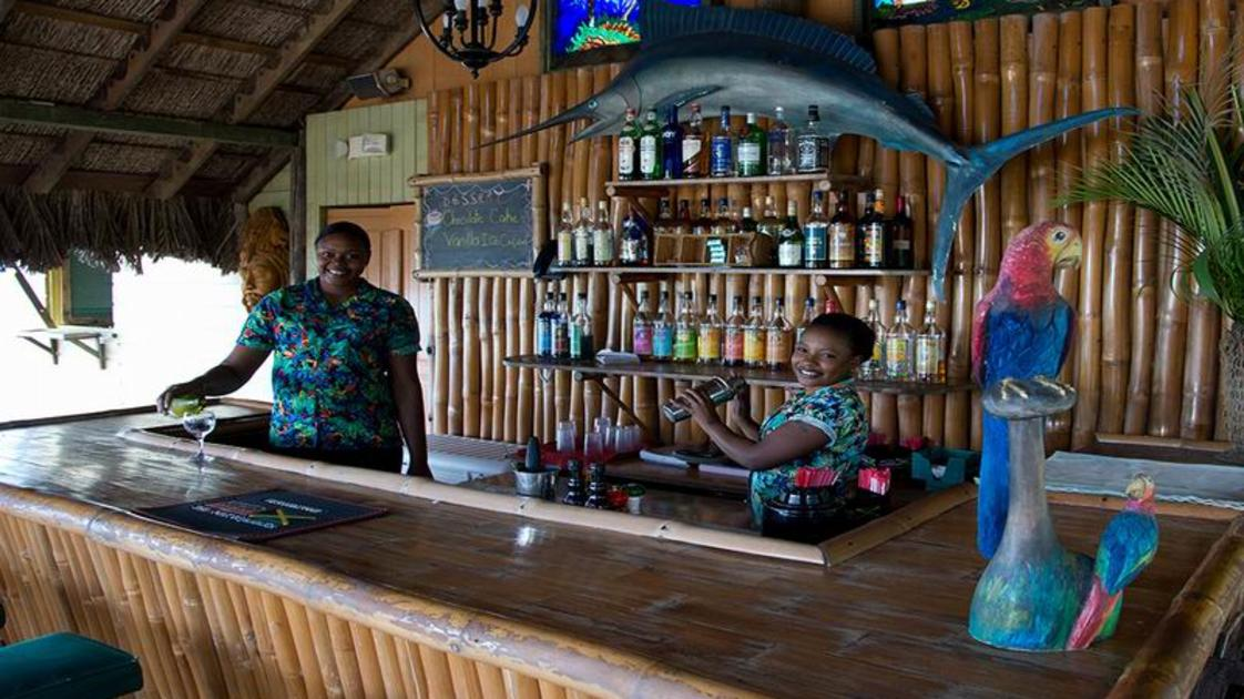 country-country_bar_gallery