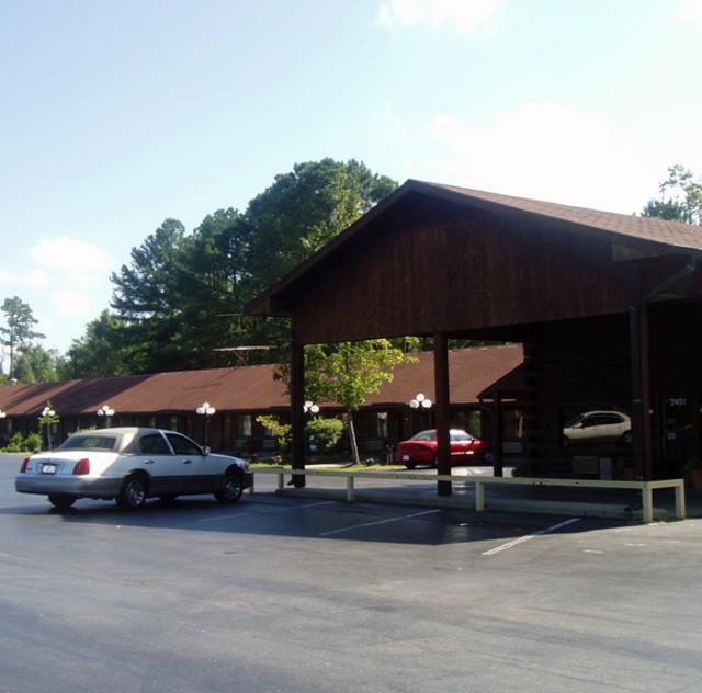 Becky's Log Cabin