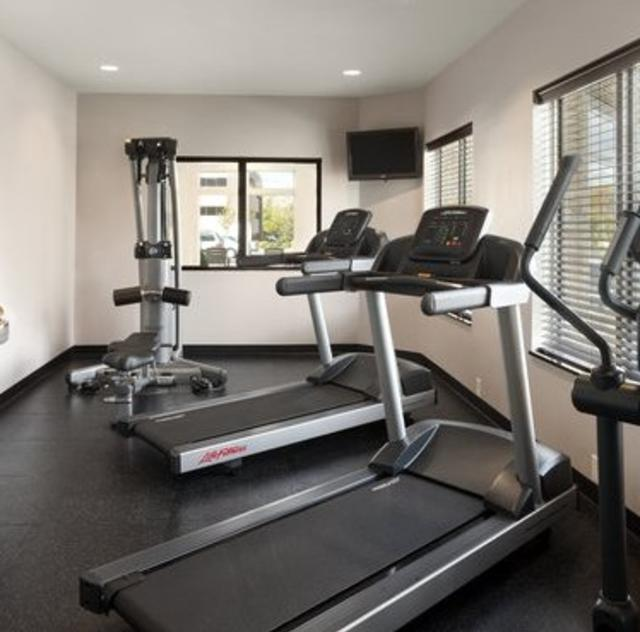 Country Inn & Suites Fitness Center