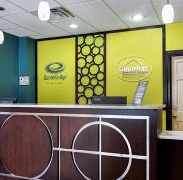 Econo Lodge Selma Front Desk