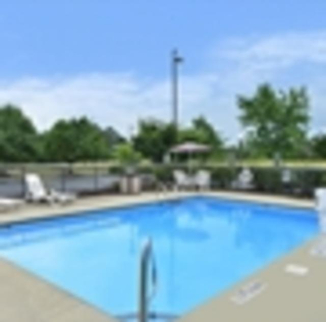 Hampton Inn Garner Outdoor Pool