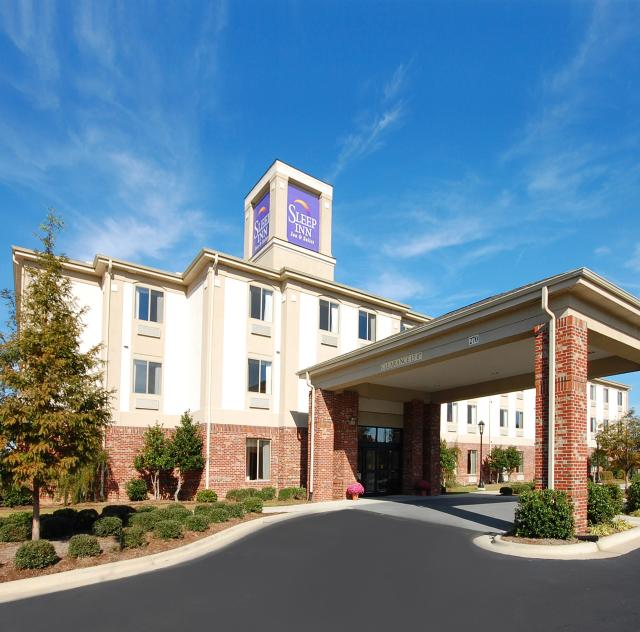 Sleep Inn & Suites Exterior
