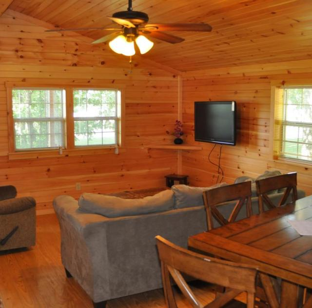 Raleigh Oaks Family Cottage Interior