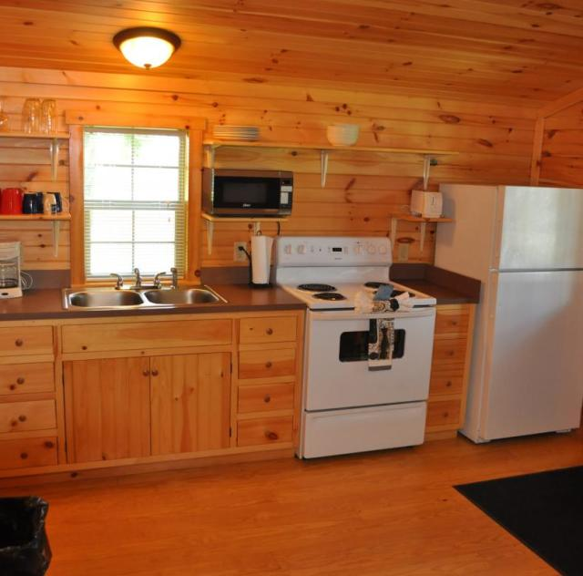 Raleigh Oaks Family Cottage Kitchen
