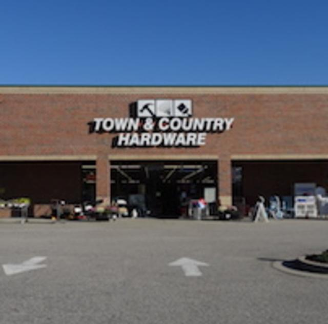 Town & Country Hardeware Store Front