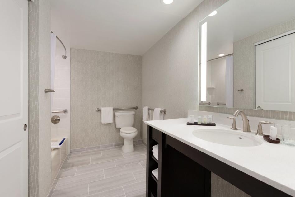 Embassy Suites ADA Bathroom2