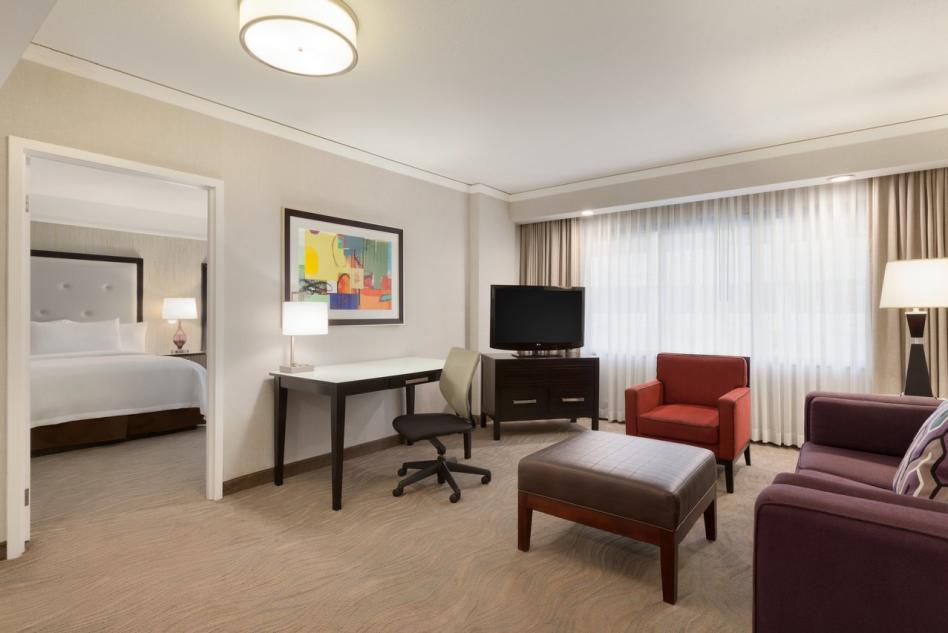 Embassy Suites ADA Guest Room2