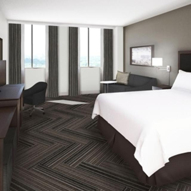 NEW Hampton Inn Suites Downtown