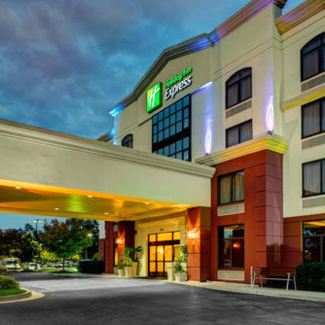NEW Holiday Inn Express Airport