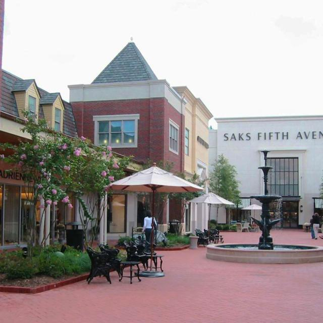 Stony Point Fashion Park